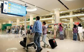 قصة غريبة في المطار بين رجل و امرأة !!!