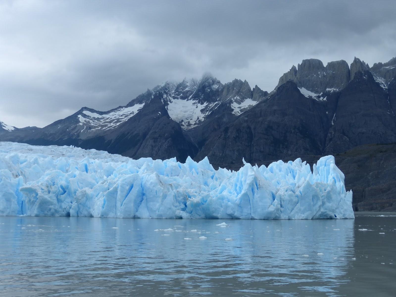 l iceberg qui se detache