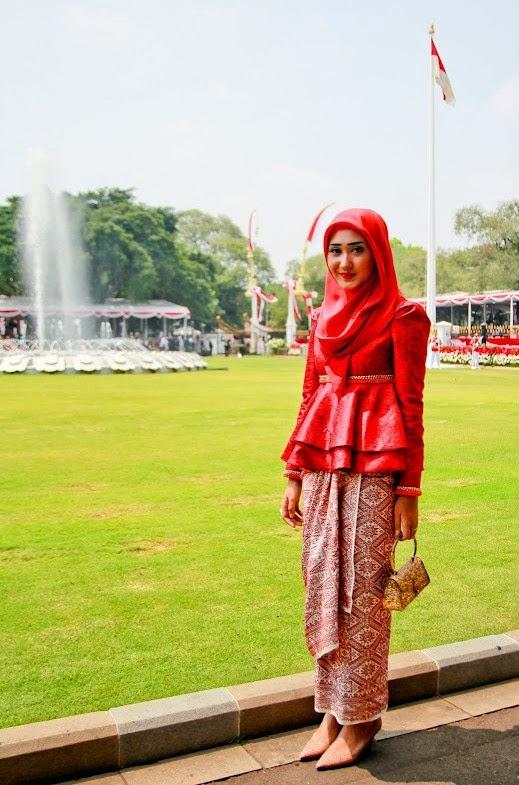 Kebaya Hijab ala Dian Pelangi