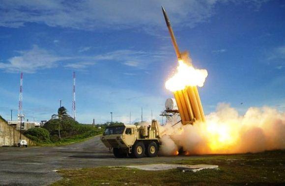 Peluncuran rudal THAAD