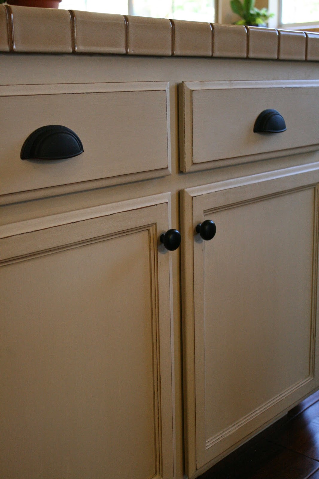 Rubbish Amazing Chalk Paint? Transformation on Oak Kitchen Cabinets