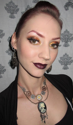 http://themoonmaiden-blix.blogspot.com/2015/08/gold-copper-and-bronze-eye-makeup-look.html