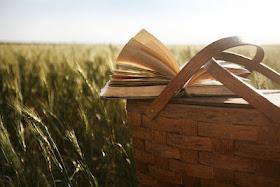 """""""Mas feliz, feliz. Uma página inteira feliz. Um livro inteiro feliz.Um mundo inteiro feliz!"""""""