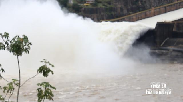 Tempo e Temperatura em Foz do Iguaçu: Tanta água que a Itaipu abriu as comportas