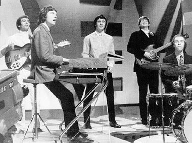 Herman's Hermits - No Milk Today / Mrs. Brown You'Ve Got A Lovely Daughter