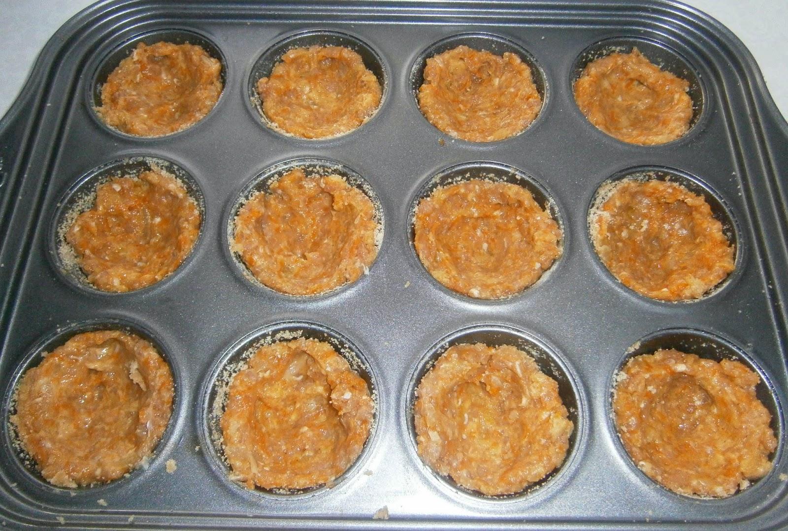 Muffinki z mięsa mielonego z dwoma farszami