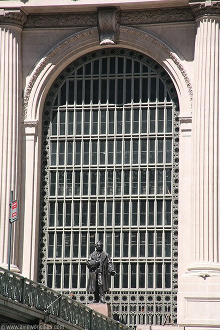 Grand-Central-Terminal-Cornelius-Vanderbilt