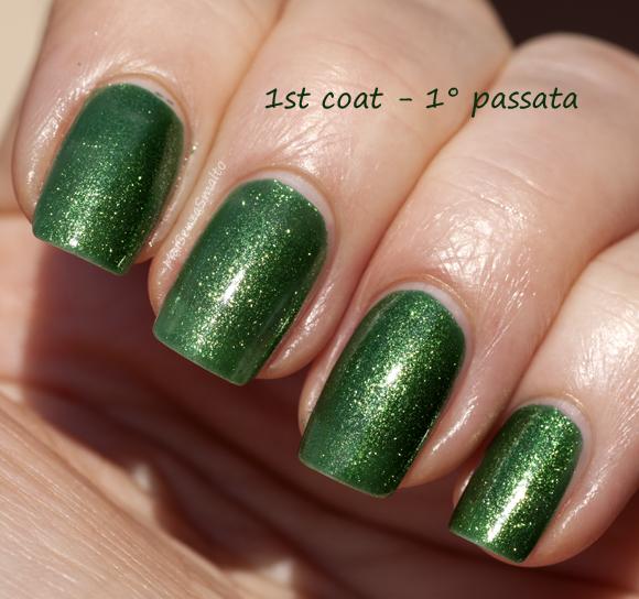 Kiko 533 Verde Dorato Perlato 1st coat