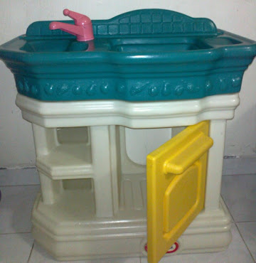 Little Tikes Mini Kitchen (used)