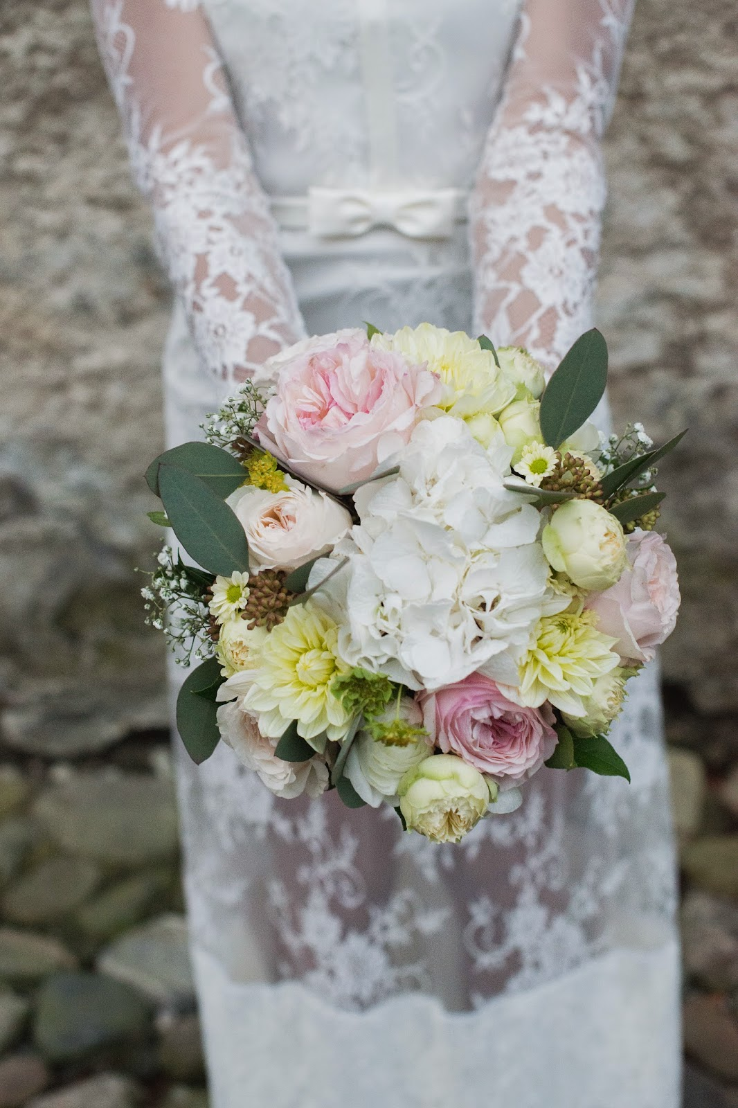 simple-white-pink-yellow-pastel-wedding-bride-bouquet-roses