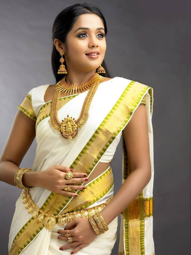 actress largest navel,cleavage,hip,waist photo collections : ananya ...