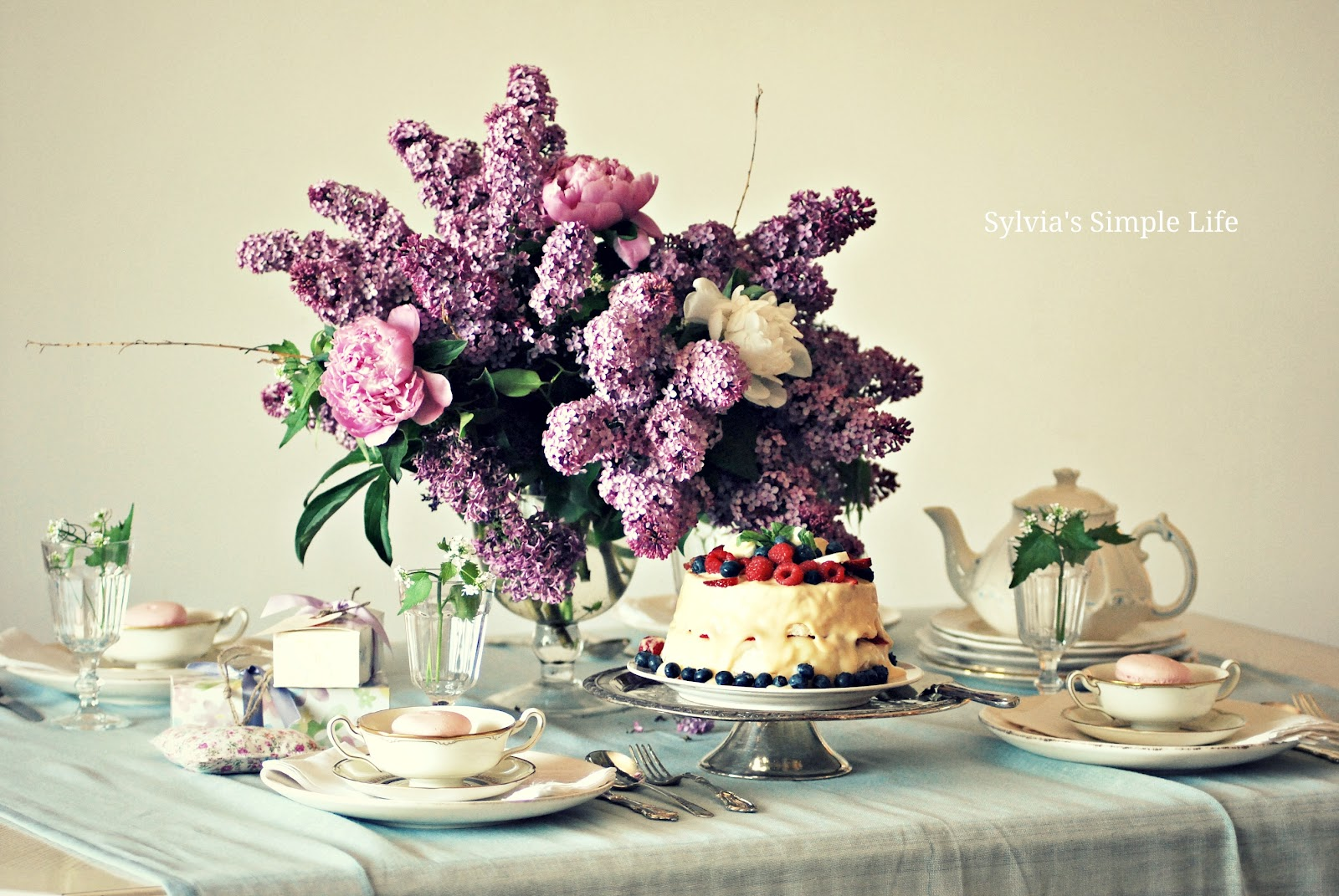 Sylvia 39 s simple life lilac cake tea for moms for Simple living mom