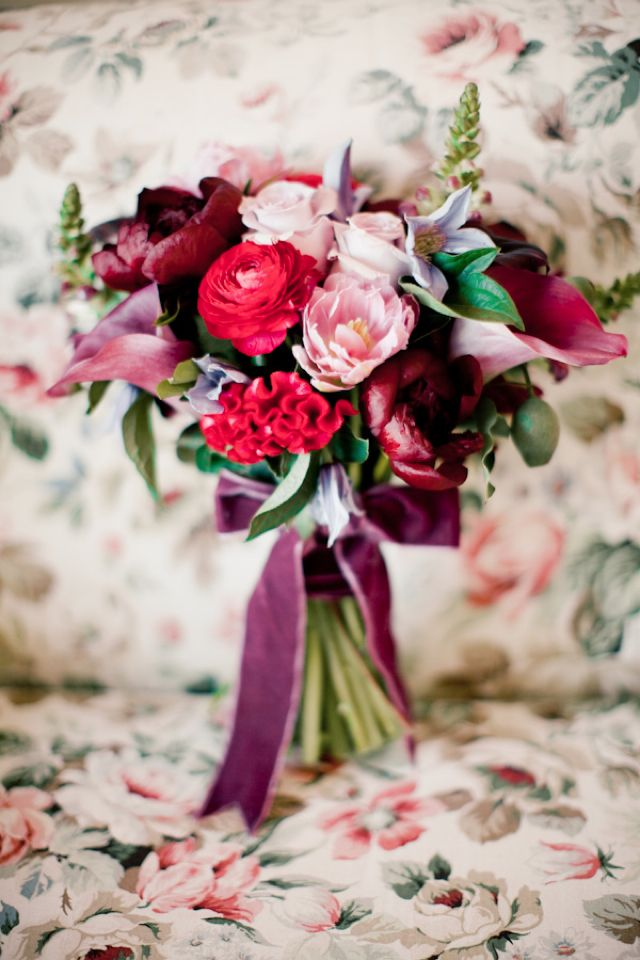 terciopelo complementos bodas invitadas bolsa guantes tocado sombrero lazo zapatos