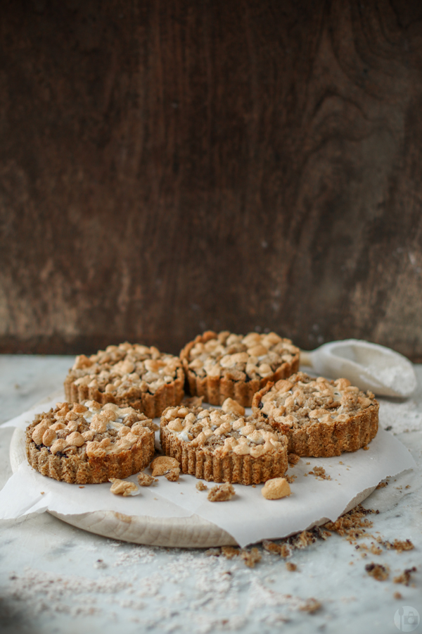 Poppy Seed Tartelettes with streusel and meringue