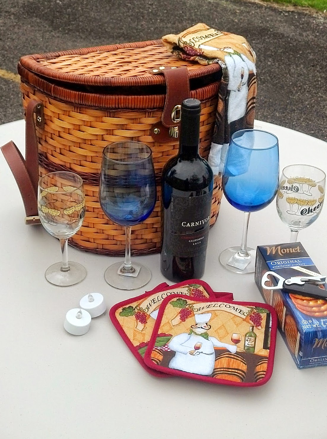 Spokane County 911 starts off the 2014 Gift Basket Silent Auction with four amazing offerings!