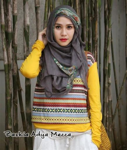 trend model gaya hijab ala Zaskia Adya Mecca terbaru 2017/2018