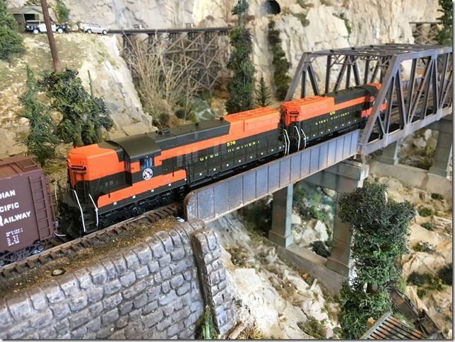 Evergreen Railroad Club: Variety is the spice of life....ask Bill Clinton!