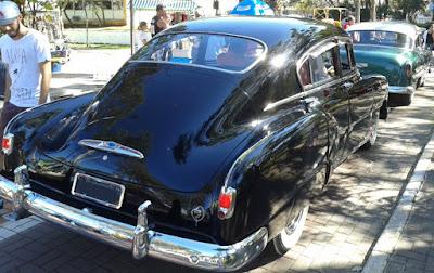 Os anos 50 de volta a bordo de um GM do pós-guerra.