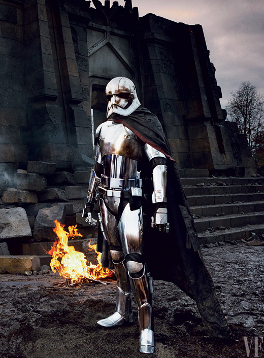 5543ca9edb753b82389cbdf2_vanity-fair-star-wars-05%2B%25E6%258B%25B7%25E8%25B2%259D-captainphasma
