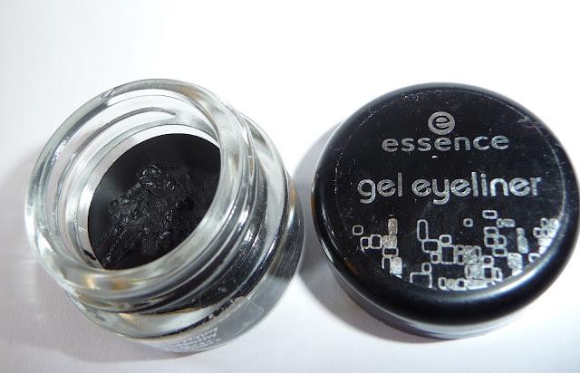 http://3.bp.blogspot.com/-pOAggqBqipM/UCVcFtIubfI/AAAAAAAAAXo/C21iBabgOcg/s1600/essence-gel-eyeliner.jpg