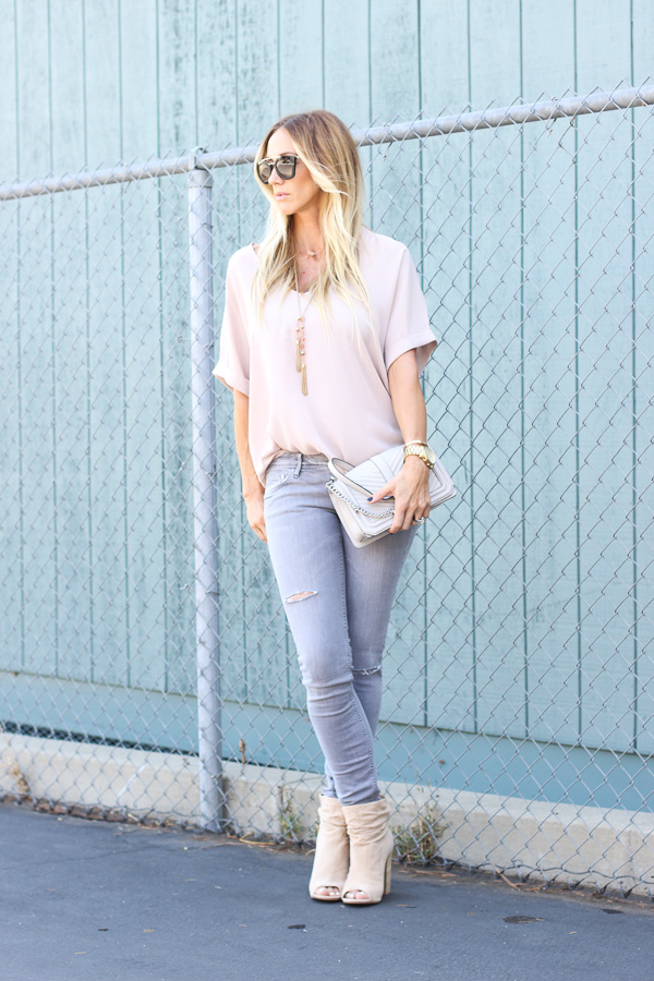 outfit grey jeans