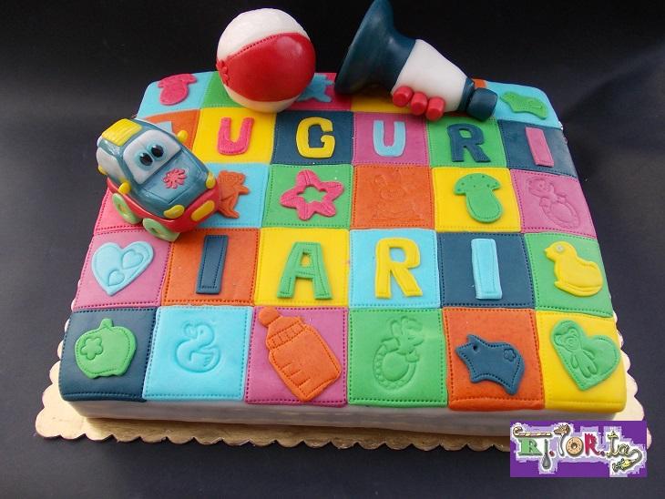 Torta tappeto dei giochi for Giochi per bambini di un anno