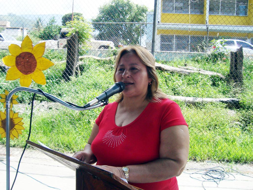 Zona Educativa al día: Dotados 151 liceos del estado Mérida de ...