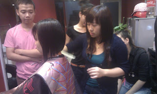 dạy học nghề cắt tóc, tạo kiểu tóc, ép, uốn, nhuộm , kiểu tóc nam nữ 3D, dạy trang điểm, dạy bới tóc cô dâu, tại trung tâm Korigami Hà Nội