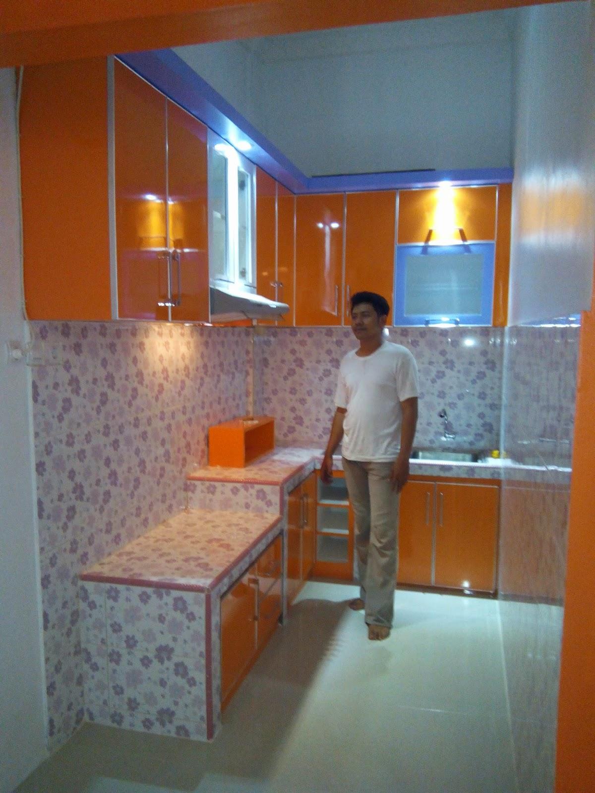 Kitchen set murah pabrik kitchen set minimalis for Peralatan kitchen set