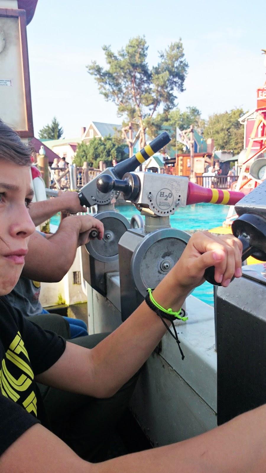 park rozrywki,aquapark,pontony,zabawa na wodzie,statki na wodę,zabawa z wodą,dzieci,wakacje 2014