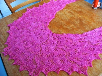 Japanese Feather and Fan Shawl - Free Pattern