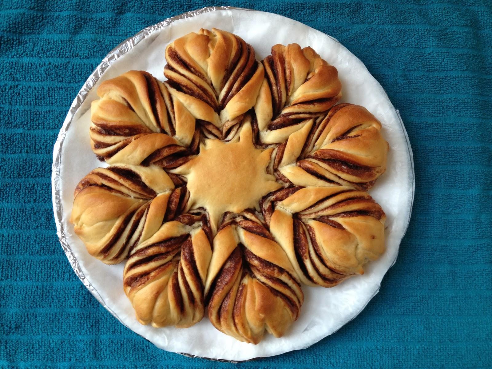 A TableSpoon Of This: Nutella Brioche Star bread!!!!