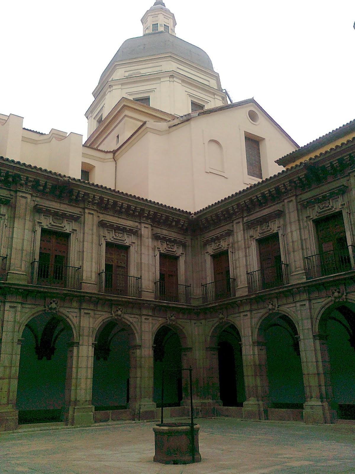Madridmetropolis detalles de madrid el patio del - Colegio escolapias madrid ...