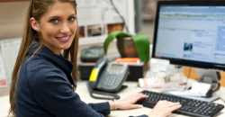 jovem trabalhadora