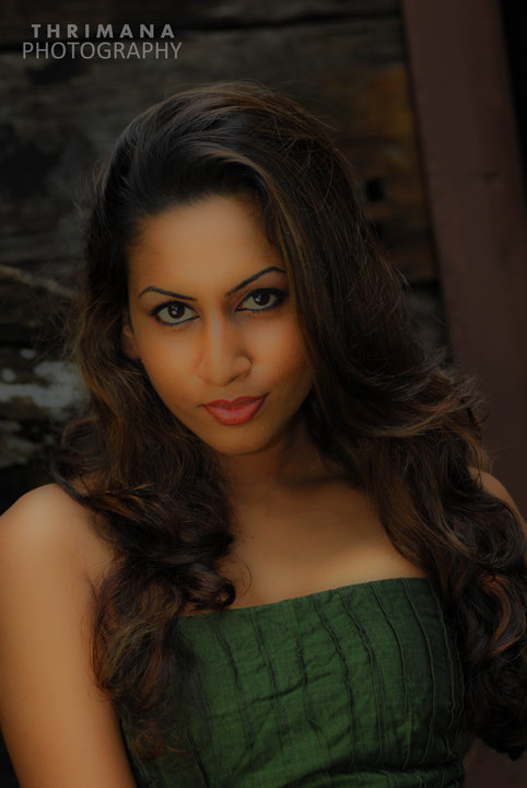 Nilukshi Amanda hot photo