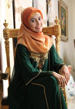 ZONEdownloadmajalah : Download Koleksi Hijab Rara Nawangsih