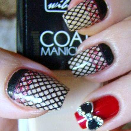 http://prettynailsbykasia.blogspot.com/2014/10/31dc2014-day-26-inspired-by-pattern.html
