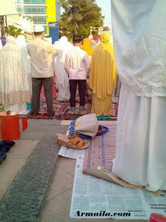 Campur Baur Pria Wanita Saat Sholat Ied (Hari Raya) - Apa Pendapatmu?