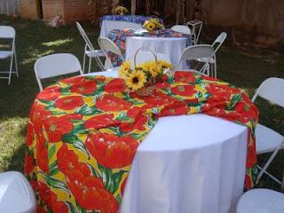 Decoração de festa junina mesa dos convidados