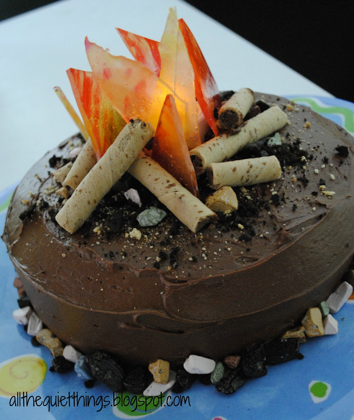 Cake Decorating How To Make Fire : All The Quiet Things: Campfire Cake