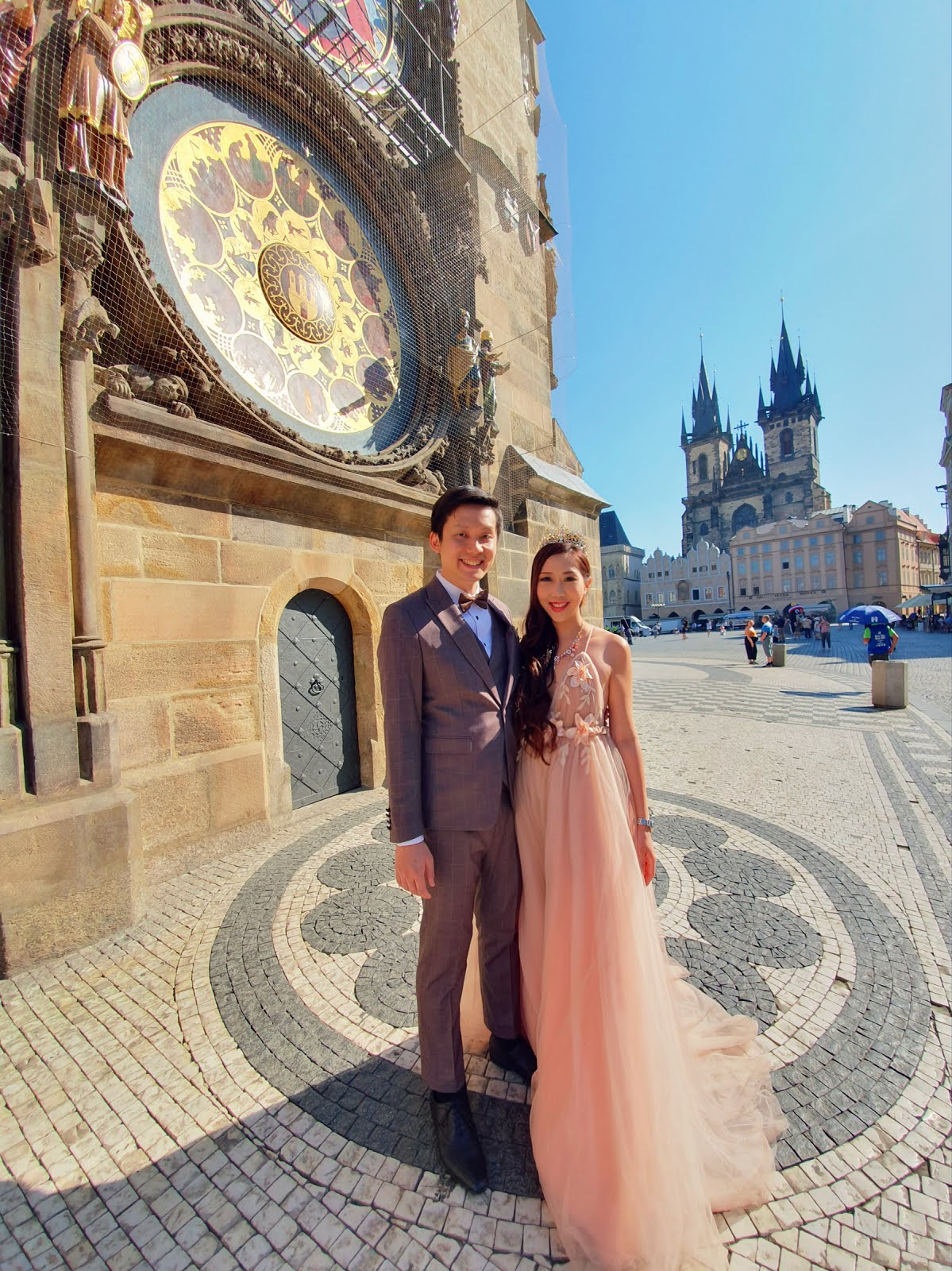 Dr VT & Sara Shantelle Lim's Pre Wedding Photos & Videos taken in PRAGUE CZECH REPUBLIC