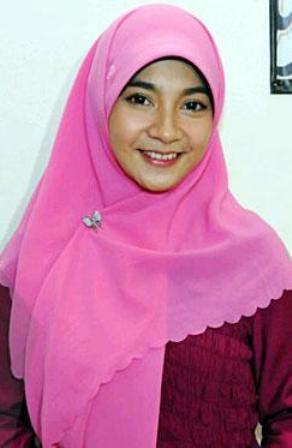 Profil dan Biografi Dinda Kirana Si Aktris Kepompong