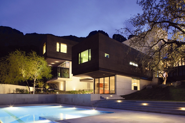 Modern contemporary CT House in Mexico at night