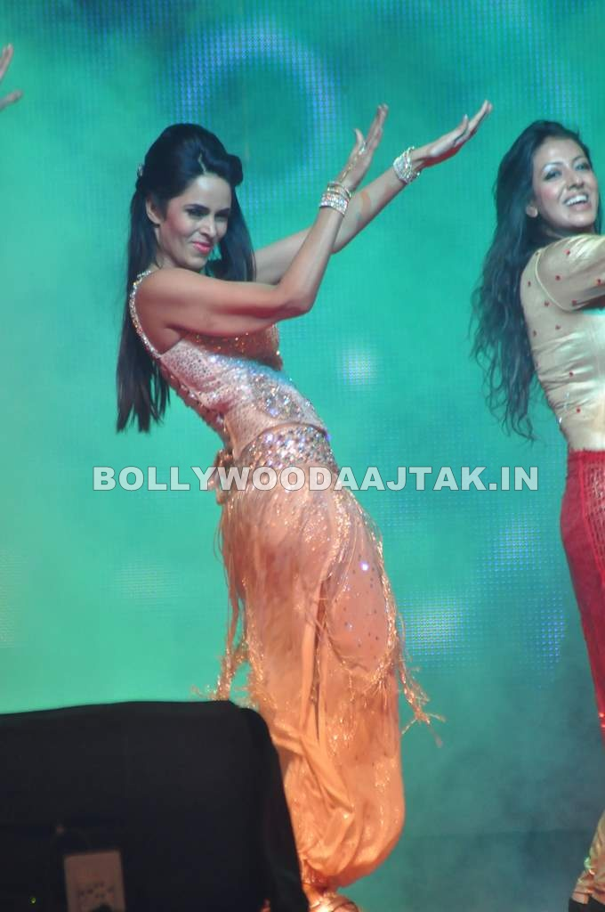 Mallika Sherawat1 - Mallika Sherawat for Country Club New Year's Bash