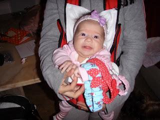 320 x 240 · 28 kB · jpeg, Mi hija queria ponerle diademas a mi nieta