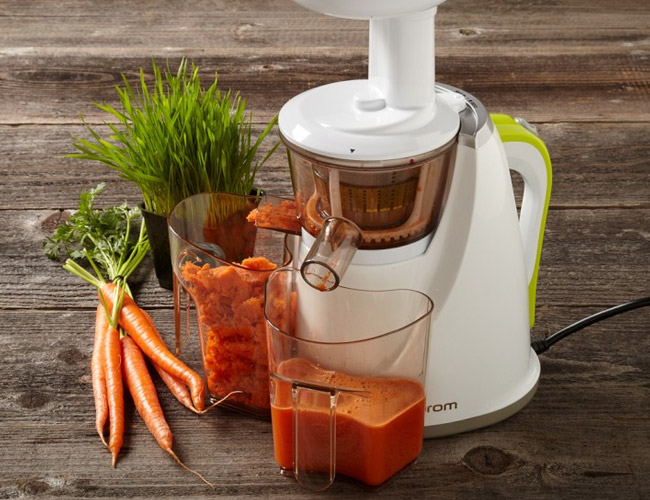Omega 8005 juicer can also grind coffee