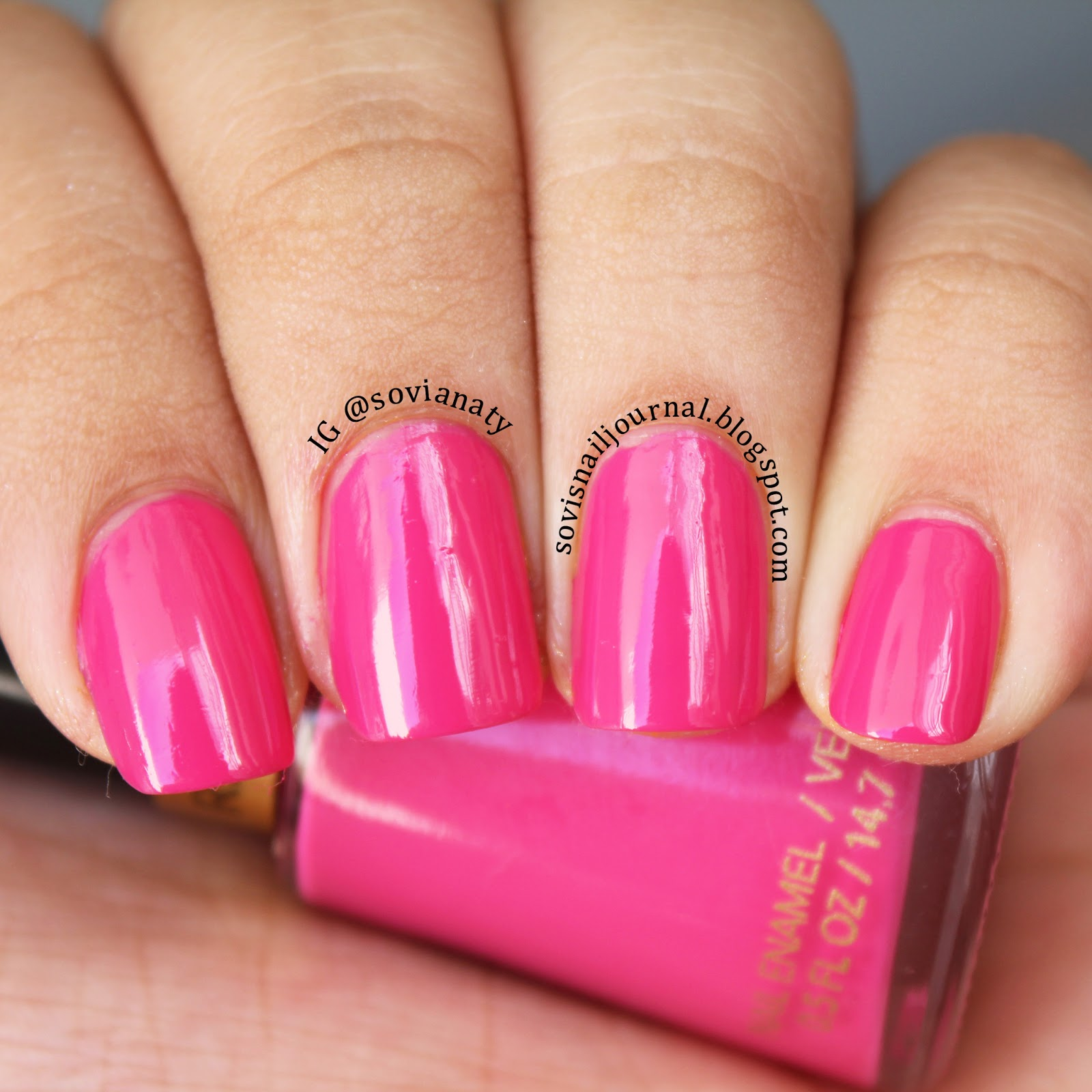 Sovi\'s Nail Journal: Revlon Fuchsia Fever and Revlon Tangerine ...