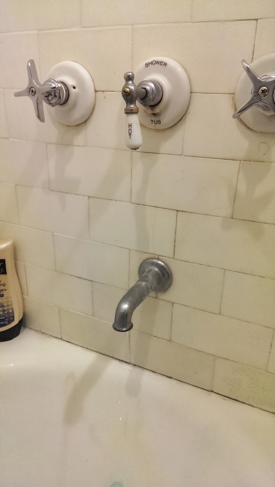 Lory Henning 39 S Project Happy Life Fixing The Upstairs Bathtub Faucet