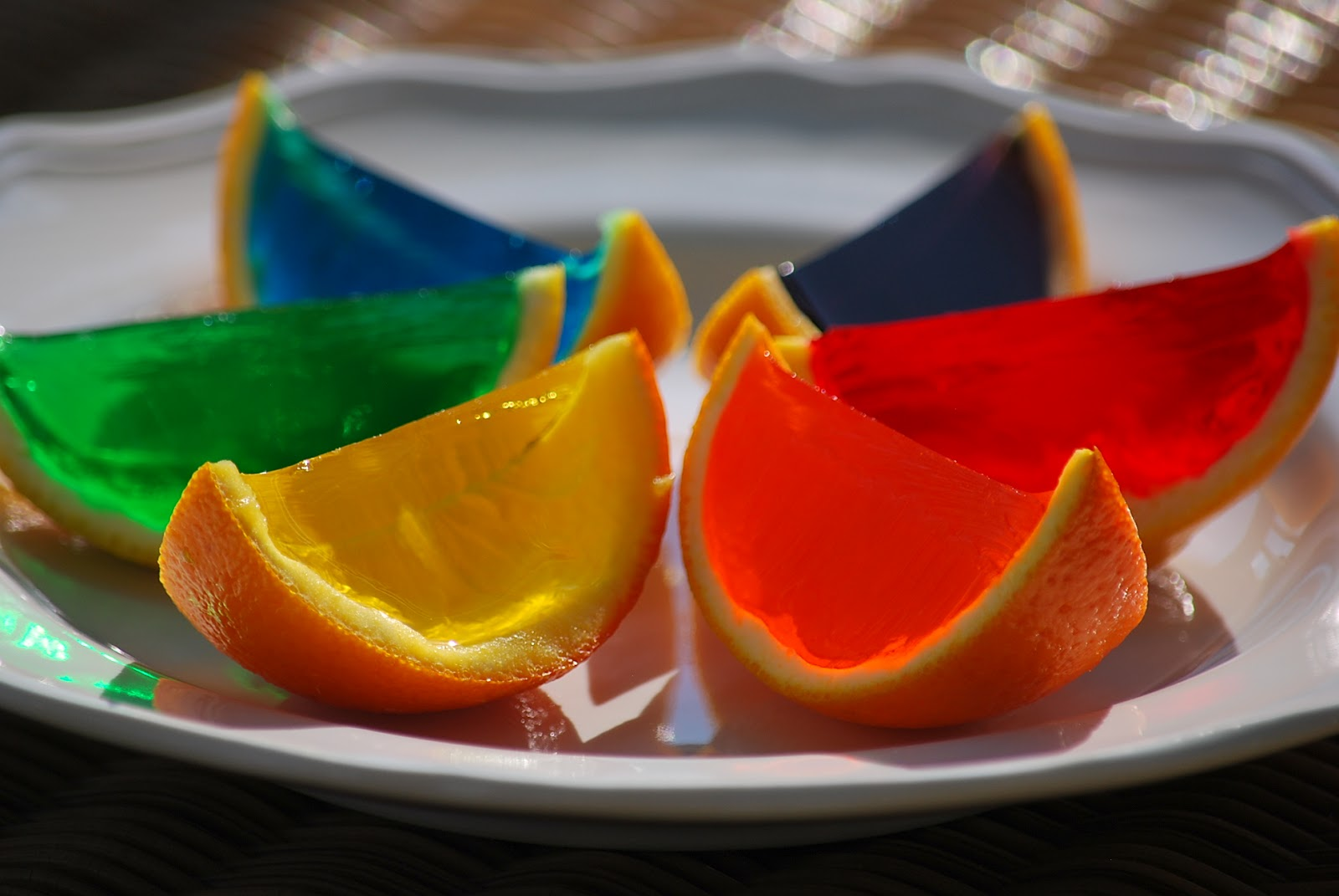 The rainbow gelatin orange wedges were so pretty that I couldn't stop ...