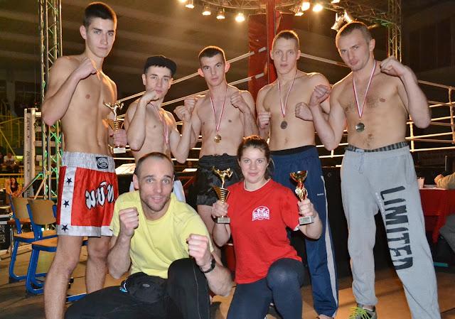 treningi, sporty walki, boks, kickboxing, muay thai, full contact